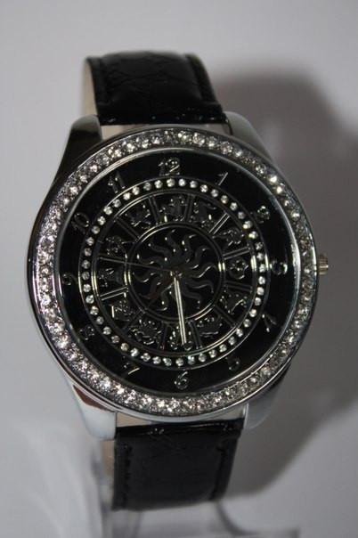 Часы с знаками зодиака