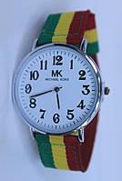Молодежные женские наручные часы