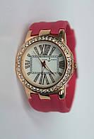 Элегантные женские наручные часы со стразами