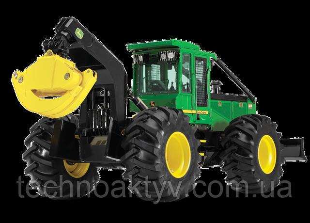 Скиддеры  Компания John Deere предлагает широкий модельный ряд трелевочных тракторов (скиддеров). Представлены как чокерные скиддеры, так и скиддеры с захватом.  Благодаря длинной колесной базе и широкой колее, трелевочные тракторы устойчивы, обладают высокой проходимостью и способны преодолевать крутые склоны. Широкий выбор возможных комбинаций мостов, колес и дополнительного оборудования позволяет гибко изменять комплектацию машин для максимального соответствия условиям эксплуатации.  Удобная и безопасная кабина скиддера позволяет оператору сосредоточиться на трелевке, а автоматическое переключение передач, ручной регулятор оборотов двигателя и двухрежимное рулевое управление помогает сделать работу проще и быстрее. Кабина откидывается при проведении обслуживания и ремонта, открывая хороший доступ к узлам и агрегатам. Все модели скиддеров оснащаются дизельными двигателями John Deere, усиленными мостами, а также рамами повышенной прочности. Система охлаждения оснащена автоматическим реверсивным гидравлическим вентилятором, позволяющим снизить простои машины для обслуживания.