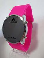 Часы розовый ремешок