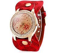 Кварцевые женские наручные часы WoMaGe