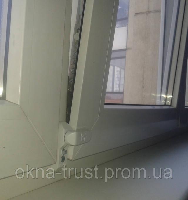Блокиратор на окно.