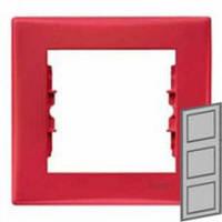 Рамка 3-местная вертикальная Цвет: красный