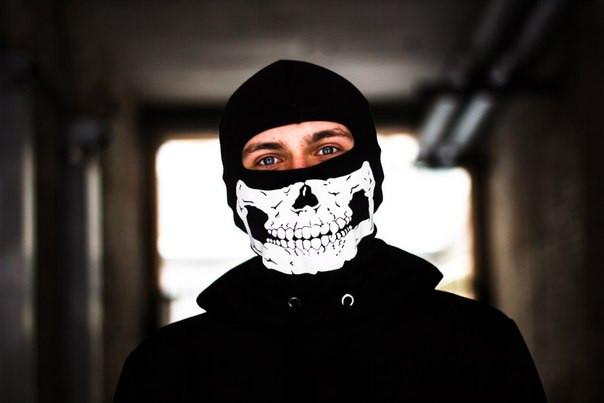 Балаклавы, маски, баффы