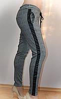 Женские брюки, с кожанными вставками, в клетку