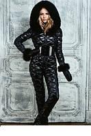 Женский зимний комбинезон с рукавичками украшен мехом