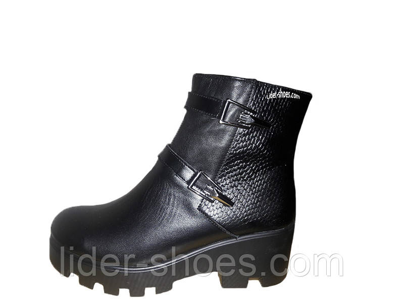 Женские демисезонные ботинки на толстой подошве кожаные