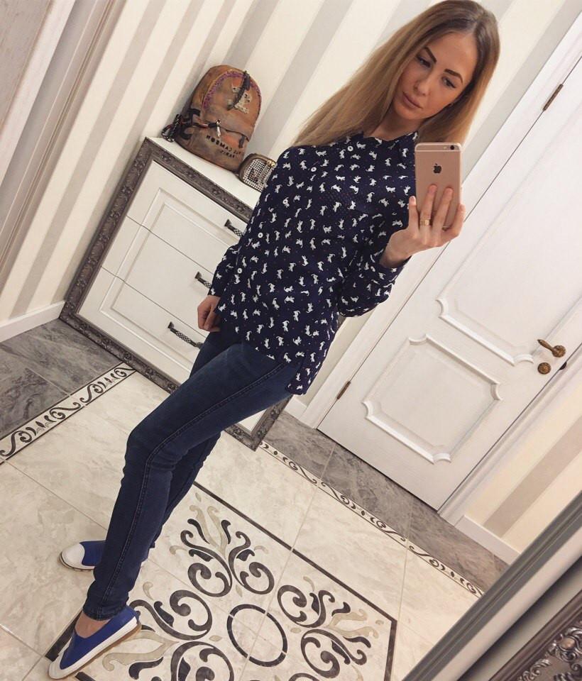 Синяя женская рубашка креп-шифон