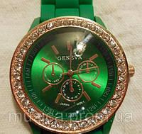 Женские часы GENEVA Женева  с силиконовым ремешком со стразами, часы браслет женские