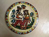 """Декоративна тарілка дерев'яна мальована """"Кохання по гуцульськи"""""""
