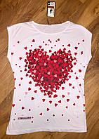 Женская футболка сердечки белая