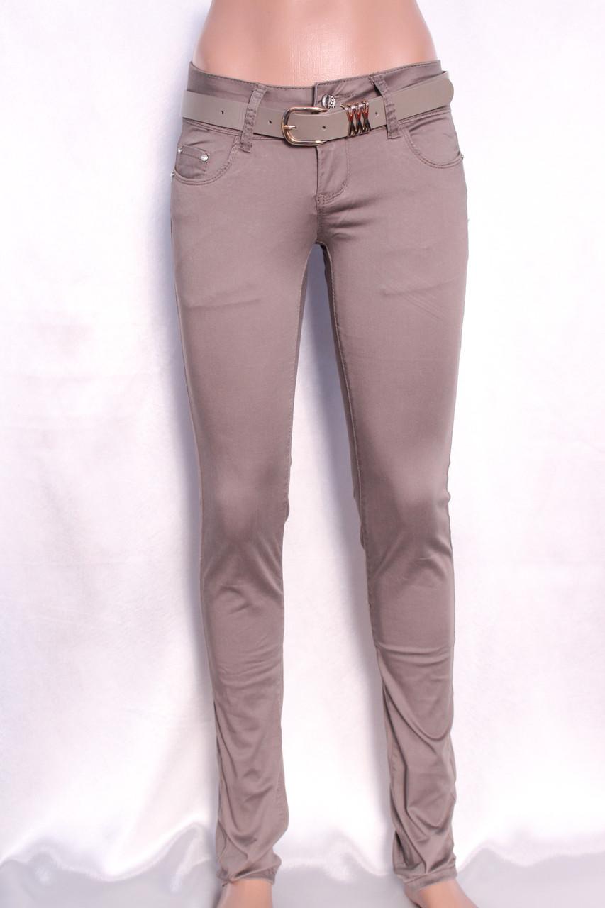 Цветные женские джинсы цвета кофе с молоком