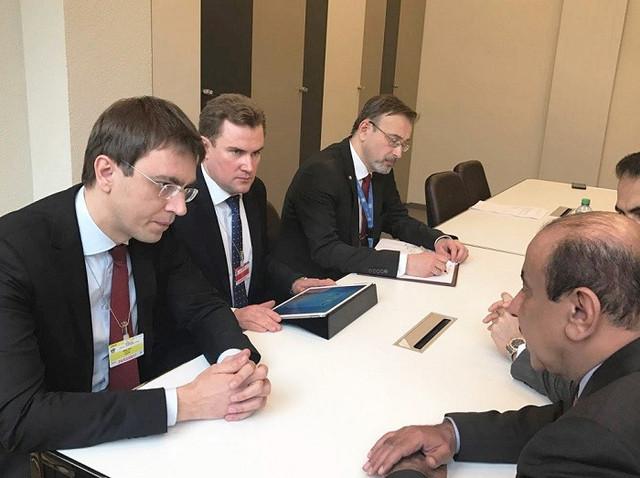 Омелян обсудил портовые дела Украины с коллегой из Катара