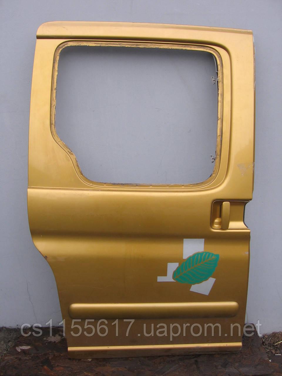 Двері бічна зсувні права б/у на Citroen Berlingo, Pegeot Partner рік 1995-2004 (гола)
