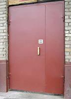 Дверь входная в подъезд