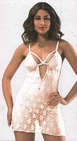 Красивый комплект женского белья из тонкого гипюра.