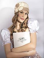 Женская шапка украшена вставками и цветком Giovanna от Willi Польша