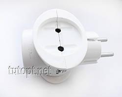 """Тройник """"Токер"""" с зазимлением ЕМР, 16А 220V цвет: Белый, пак - 5 шт. упаковка 50 шт."""