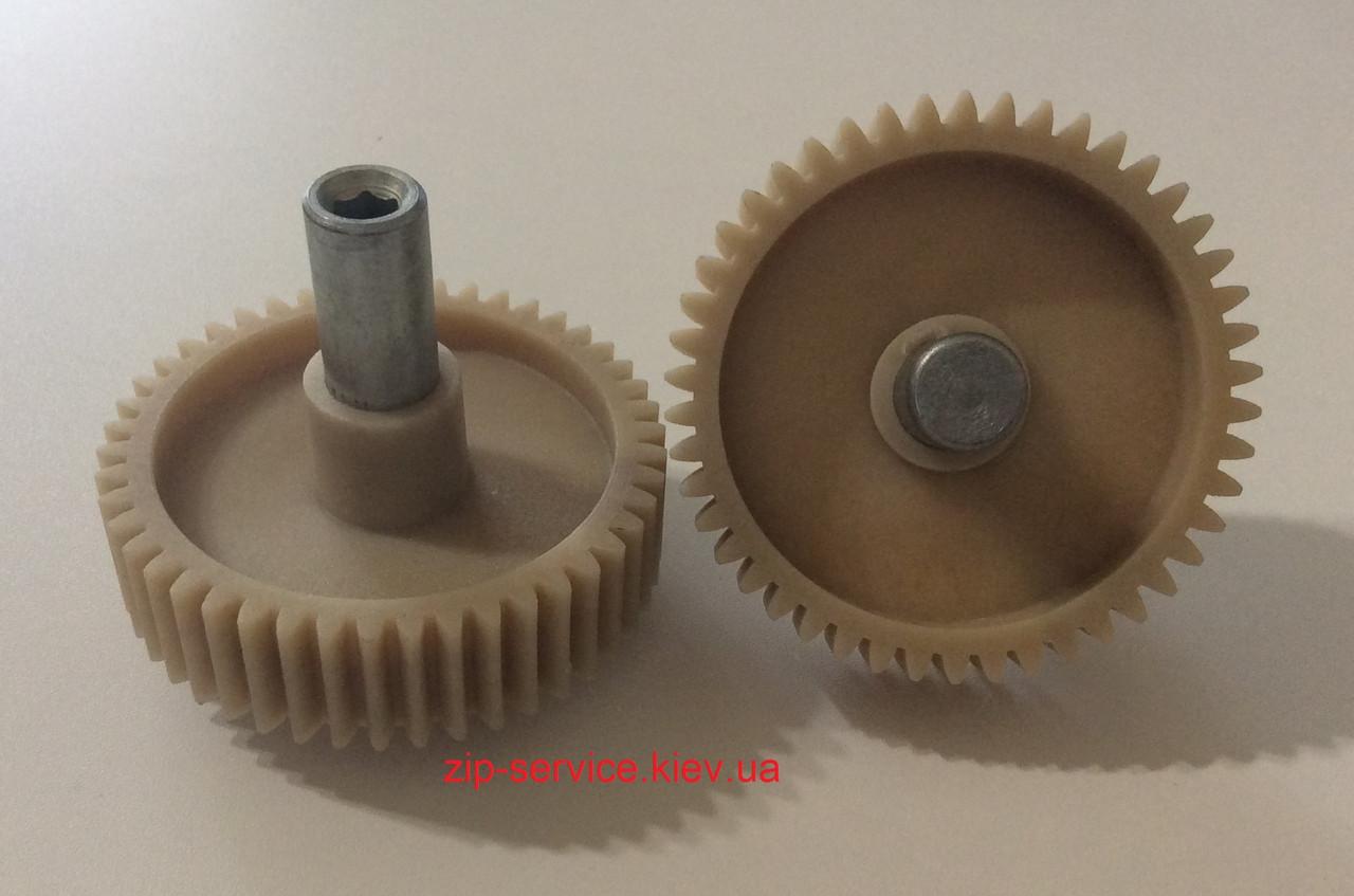 Шестерня мясорубки Moulinex с металическим валом D82 мм/46 зубов,длина вала 72 мм, под шестигранник.
