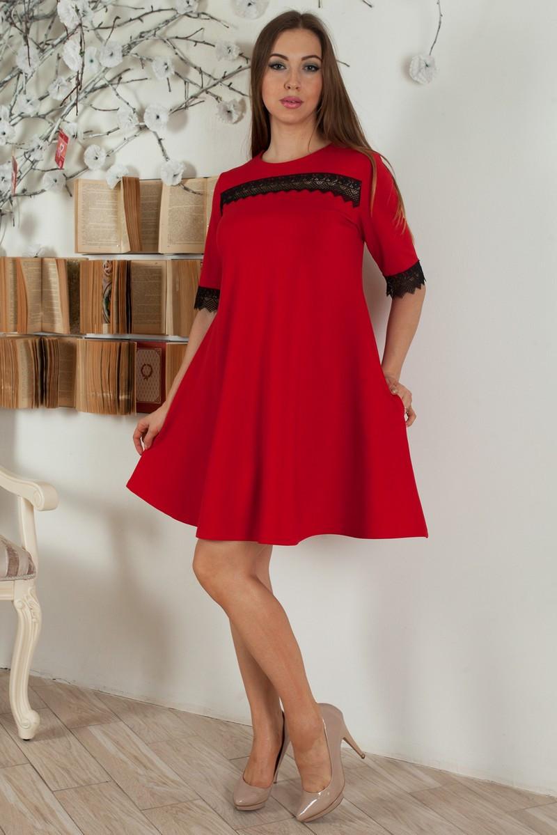 Красное платье - трапеция с черной кружевной тесьмой