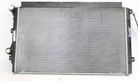 Радиатор охлаждения двигателя Шкода Суперб 1,8TSI
