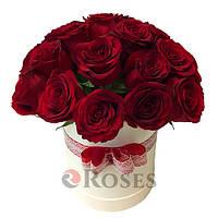 """Цветы в коробке """"Я тебя люблю"""" 23 красных розы"""