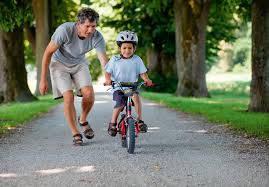 Как научить ребёнка кататься на двухколёсном велосипеде?