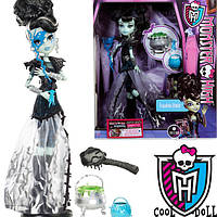 Кукла Монстер Хай Фрэнки Штейн Хэллоуин Маскарад Monster High Frankie Stein Ghouls Rule