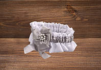 Свадебная подвязка с серыми лентами