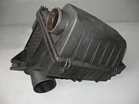 Корпус воздушного фильтра Mercedes Sprinter с 2000 г. по 2006 г.