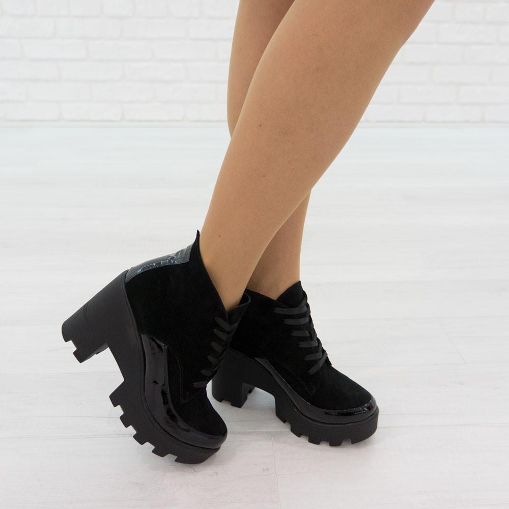 Ботинки из натуральной замши черный