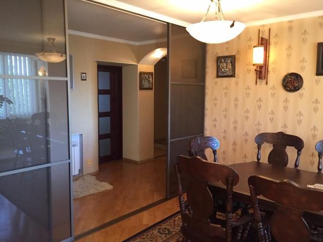 Продам 3-х комнатную квартиру на улице Косвенная/Картамышевская, Приморский район, Центральная часть города Одесса