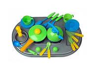 Плита с мойкой и посудой