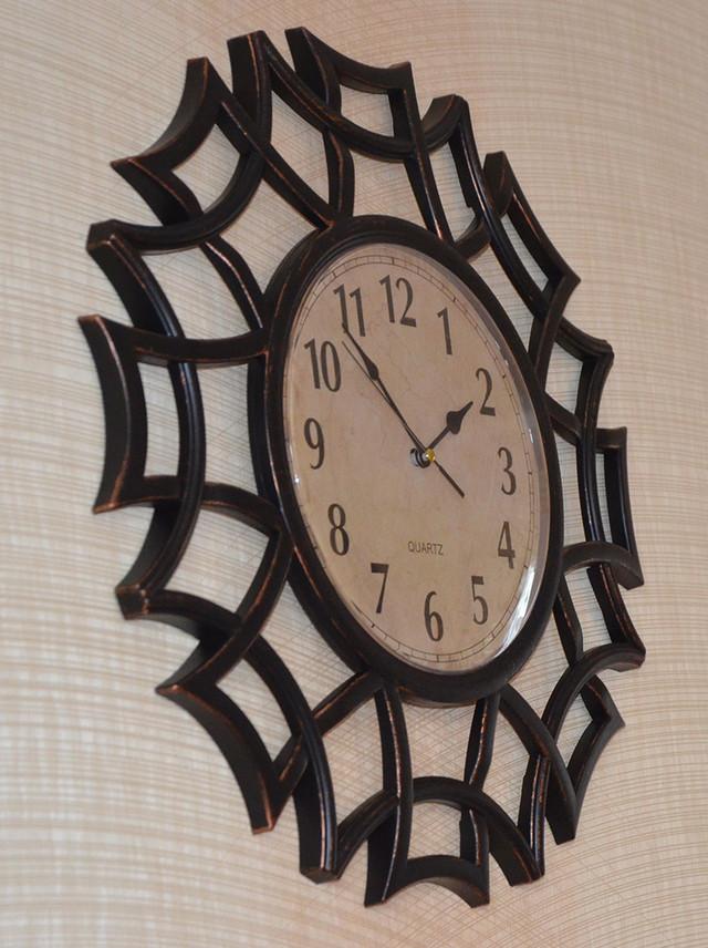 Часы на стену фигурные