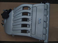 VW Touareg, впускной колектор б.у 3.2бензин
