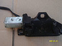 67107114613 Ответная часть замка багажника BMW С серво приводом BMW X6 E71 (2008>)/5-СЕРИЯ E61 (2003-2009)