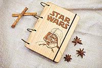 """Блокнот """"STAR WARS"""" из натурального дерева на кольцах 60 листов."""