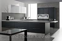 Черно-белая кухня Шелк