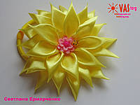 Резинка для волос детская желтый цветок канзаши