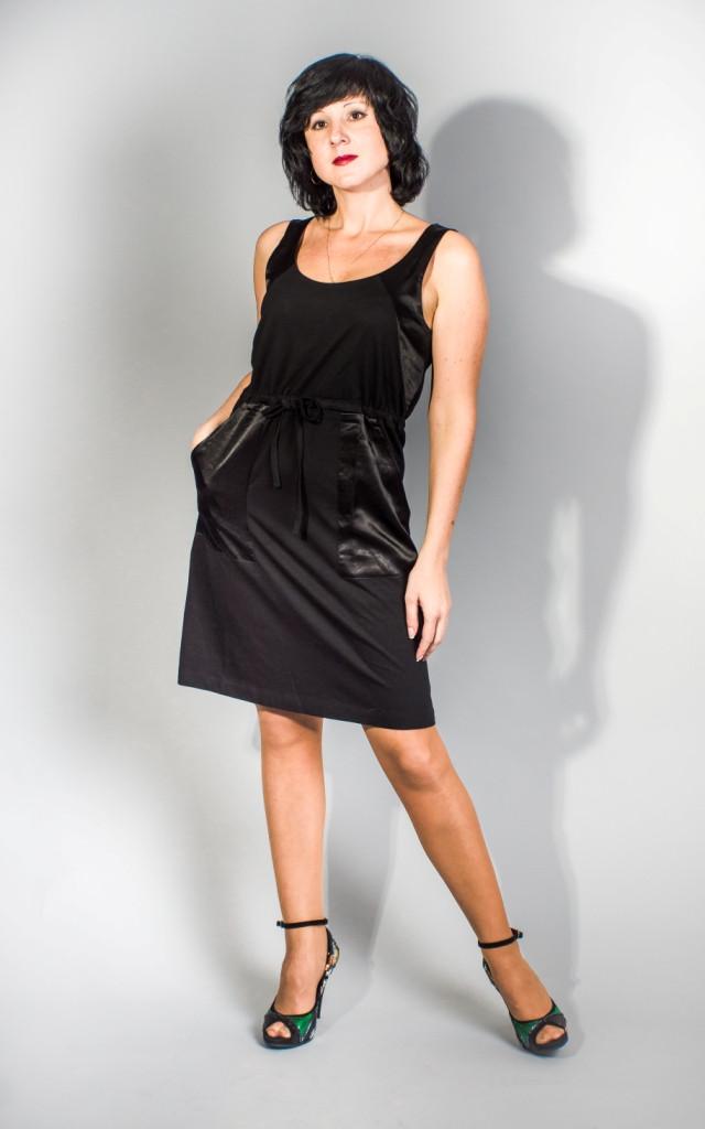 Платье женское трикотажное  черное короткое Esprit