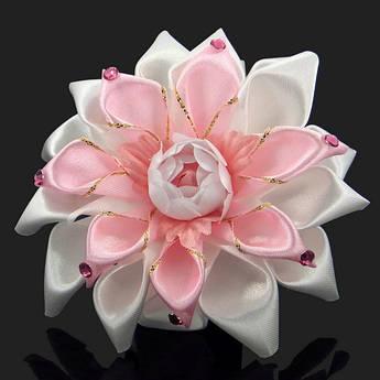 Резинка для волос Розово - белый бутон
