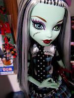 Лялька Monster High Френкі Штейн ( Frankie Stein its Alive) - Вона жива!