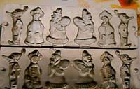 Форма алюминевая Новогодня для леденцов на 6 фигур(2 деда мороза, 2 снегурочки, 2 гномика)