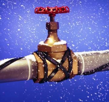 Как защитить водопровод от замерзания.