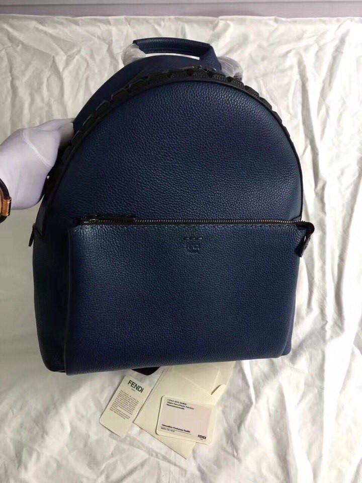 Женский рюкзак Fendi