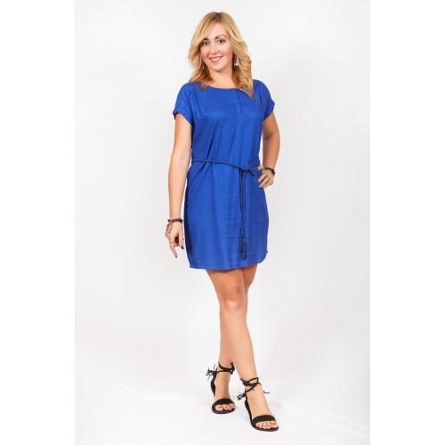 Однотонное синее платье с пояском