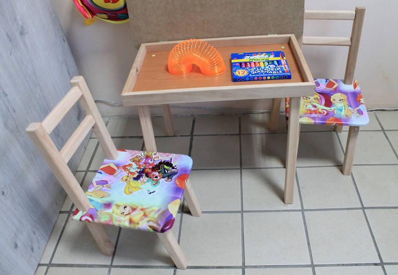 Детский стол и два стульчика с рисунками Принцесса Винкс, фото 3