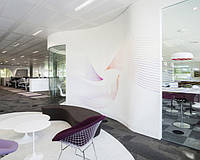 Акриловая мебель в офисе Swarovski