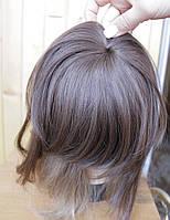 Накладки из волос на макушку при облысении на заколках.